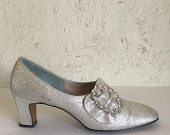 60s Metallic Silver Pumps Mod Prom Sparkly Lame Dressy Shoes Size 7