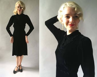 Gorgeous 1930s Vintage Gold Pin Stripe Black Silk Velvet Evening Dress Long w Short Prim Collar