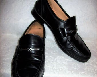 Vintage Men's Black Leather Slip On Loafers by Rockport Size 10 1/2 W Only 18 USD