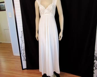 Vintage 80s Olga Honeymoon Pale Ivory Lace Trim Bodice Long  Pin Up Nightgown Negligee Size 34 Women's M