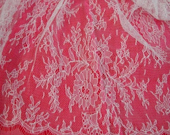 No. 300 Lovely White Solstiss French Chantilly Lace; 4.5 Yards x 26""