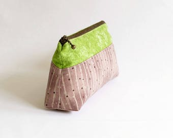 A zipper purse in fresh green and orchid pink.  zipper pouch. 8inch purse - Reduced to clear