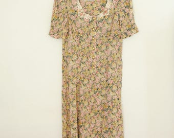 Floral Print Dress with White Lace Collar and Rosettes - Late 80s/ Early 90s