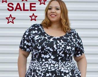 SALE Plus Size Dress, Womans Floral Dress Black and White Plus Size Dress, Spring Summer Plus Size Dress,  Black Dress, Womens Dress