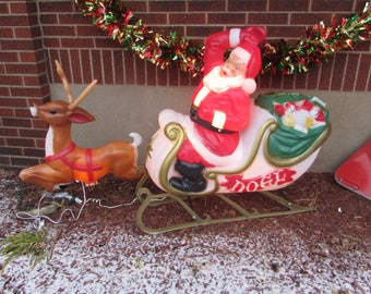 Empire Sleigh, Santa Claus Vintage Sleigh and Reindeer Set. COMPLETE and in Excellent Condition