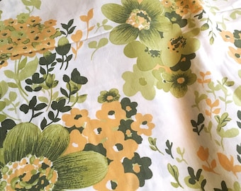 70s swedish vintage fabric. Floral print Medium cotton weight. Great condition. Beautiful floral pattern. Retro fabric