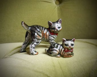 Vintage 1930s 1940s Cute Ceramic Cat Figurines Mother and Kitten Precious Set Stripe Tabby Cats Kasuga Ware Kitty Black Gray Bone China Gift