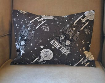 Travel Pillow Case / Child Pillow Case of STAR TREK / Captain Kirk / Spock / Enterprise