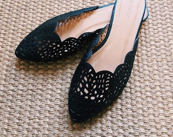 Vintage Black Leather Scalloped Slippers