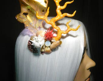 Siren of the Sun - wonderfull Hairclip with real Seashells and handmade Corals