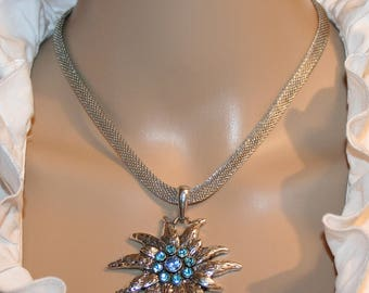Mesh Collier with edelweiss pendant