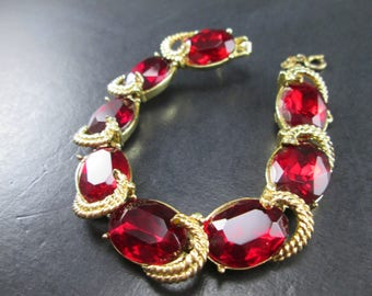 Vintage Coro Pegasus Ruby Red Rhinestone Gold Tn Bracelet w. Safety Chain Des Pat Pend 40s Signed