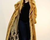 Manteau de vison. Doublur...