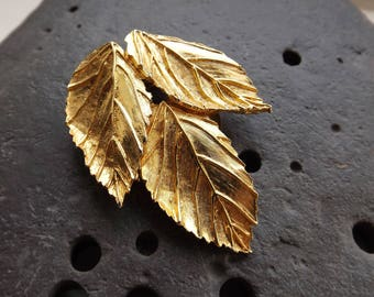 Gold Leaf Shaped Scarf Clip