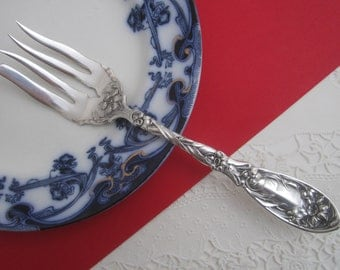 Antique Narcissus Serving Fork, Oxford Silver Plate Co. Beautiful Floral Embossed Silverplate Cold Meat Fork ca. 1908