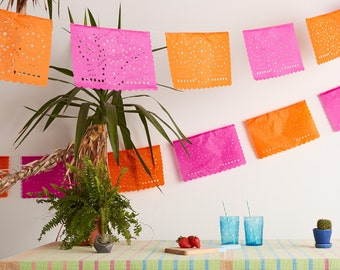 Mexican fiesta decor. Papel Picado Garland, Lace Bunting. Bunting for Parties. Bridal shower decor. Party decoration. Hen-do banner garland