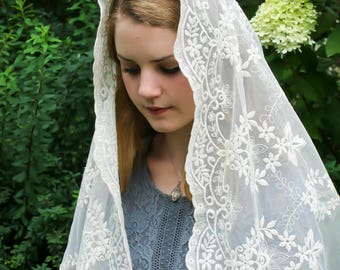 Evintage Veils~ Our Lady of Fatima Ivory Embroidered Lace Chapel Veil Mantilla D Shape Latin Mass