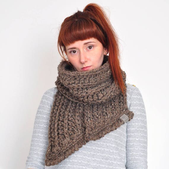 The Fern • Open-Ended Scarf • Crochet Chunky Knit • Colour: COCOA