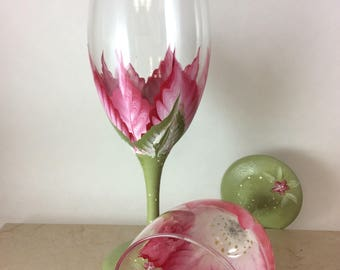 Painted wine glasses, Custom Wine Glass, Spring wine glasses, Wine lover gift, Gift for mom, Best wine glasses, Unique wine gifts, gifts