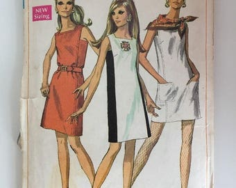 Simplicity 7679 1960s Shift Dress Sewing Pattern Size 10 Bust 32.5""