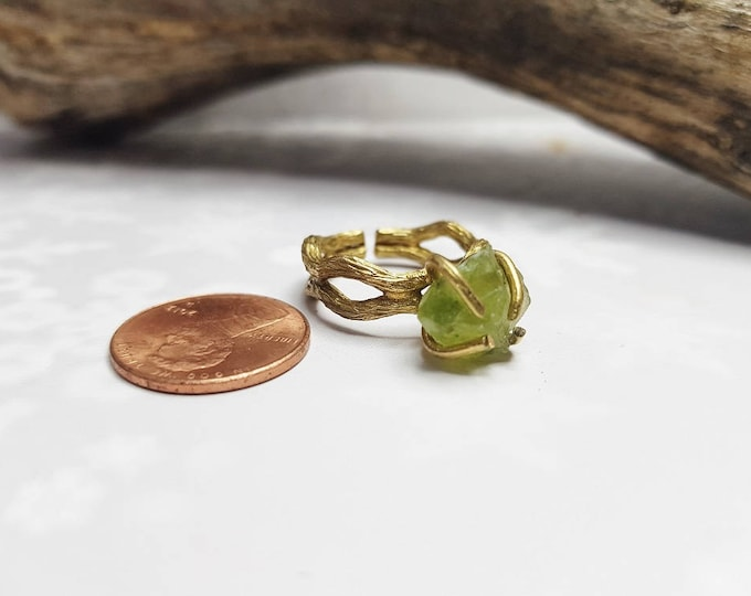 Adjustable Twig Ring With Stone ~ Raw Peridot Ring ~ Boho Gift For Sister, Mom, Wife, Girlfriend, Daughter, Nature Lover ~ August Birthstone