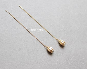 Lily of the valley Threader earrings in gold, Flower earrings, Bridesmaid gift, Everyday earrings,