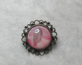 Brooch round cabochon rose filigree leaf