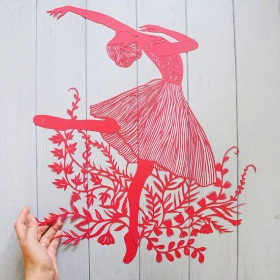 Art papier coupé «Ballet» rouge papier découpé, Original papier coupe oeuvre ballerine Silhouette avec fleurs et feuilles, papier rouge art 2017