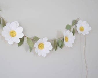 Felt Daisy Garland - Felt Flower Garland - Shasta Daisy Floral Garland