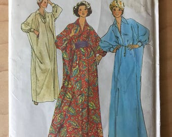 Simplicity 7180 - 1970s Maxi Length Caftan with Wide Pointed Collar and Cummerbund - One Size