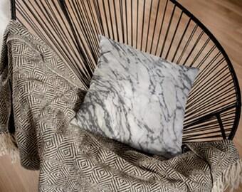 Marble Throw Pillow , White Accent Pillow , Marble Pillow Case , Marble Pillow , Marble Decor , Marble Home Decor , Marble Cushion , Pillow