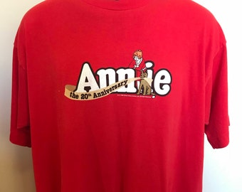 90s Annie 20th Anniversary Shirt Vintage Tee Musical Comic Cartoon Little Orphan Sandy Dog Oliver Daddy Warbucks Fruit of the Loom Cotton XL