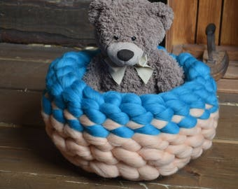 Knitted Pet bed, Cat bed, Dog bed, Knitted bed, knitted cat bed, chunky knit dog bed, Chunky yarn cat bed