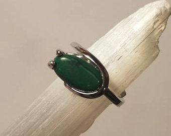 Green Natural Stone Silver Ring 6 1/2 statement ring