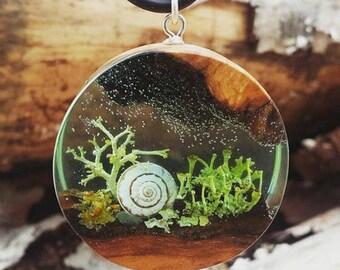 Forest pendant, forest necklace, liquen pendant, liquen necklace, resin wood pendant, resin wood necklace, olive wood pendant, resin wood