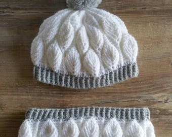Hat and snood set. Leaves