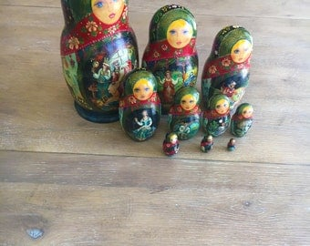 Gorgeous Detailed Handpainted Russian Nesting Dolls Babushka Dolls Matryoshka Dolls - Set of 10