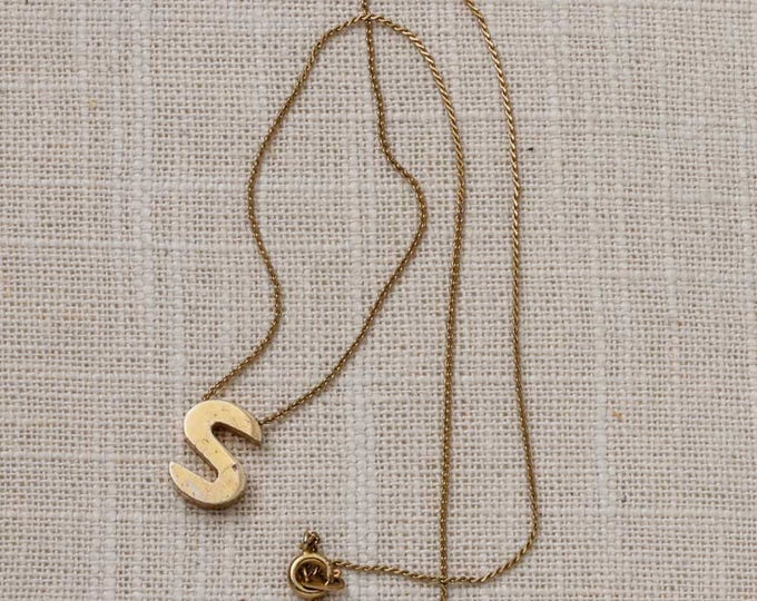 Letter S Charm Necklace Vintage Gold Chain Costume Jewelry 7L