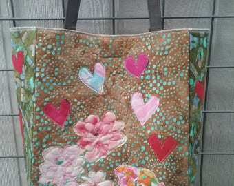 Quilted tote bag with flowers and hearts, CUSTOM ORDER, custom quilted large tote bag, large pockets, applique flowers and hearts, OOAK bag