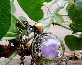Terrarium natural amethyst crystal ,gift for woman, raw crystal necklace, amethyst necklace, moss terrarium, raw crystal, boho necklace