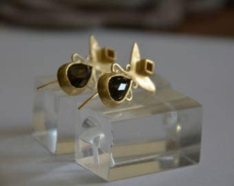 Brown gemstone earrings, Smokey teardrop earrings, smokey quartz earrings, antique style earrings, boho earrings, wedding earrings gold