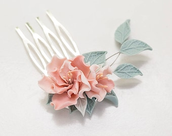 Pink flower hair comb. Floral Hair piece. Wedding flower comb. Flower Head piece. Bridesmaid gift. Blush flower Wedding hair accessories