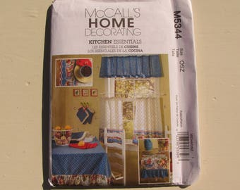 McCall's 5344 - Kitchen Makeover Pattern - Window Treatment, Pot Holder, Casserole Holder, Table Runner, Placemat - Uncut - MSRP 16.95