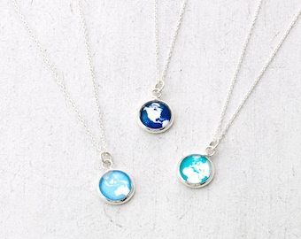 Globe Necklace, Wanderlust Necklace, Dainty Necklace, Travel Jewelry, Traveller Gift, Graduation Gift, World Map, Boho Jewellery