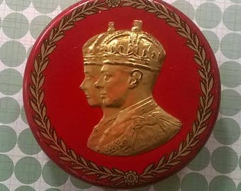 Crawford's 1937 Coronation small circular tin with gilt portraits, Biscuits
