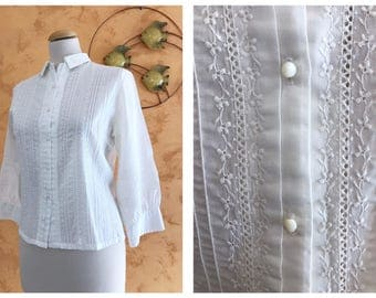 Vintage 1950s White Cotton Broderie Anglaise Shirt - size S/M