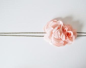 Headband mariage fleurs corail clair bohème, headband demoiselles d'honneur mariage champêtre