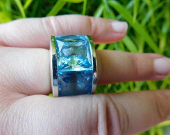 Pianegonda sterling silver ring huge blue quartz rare Italian rock star 3 stone ring size 7.5 -8 sold out