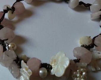 Gorgeous leather & chunky rosequartz necklace.
