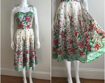 1970s Vintage 1950s Style Floral GARDEN SUNDRESS Tie Shoulders Full Skirt M